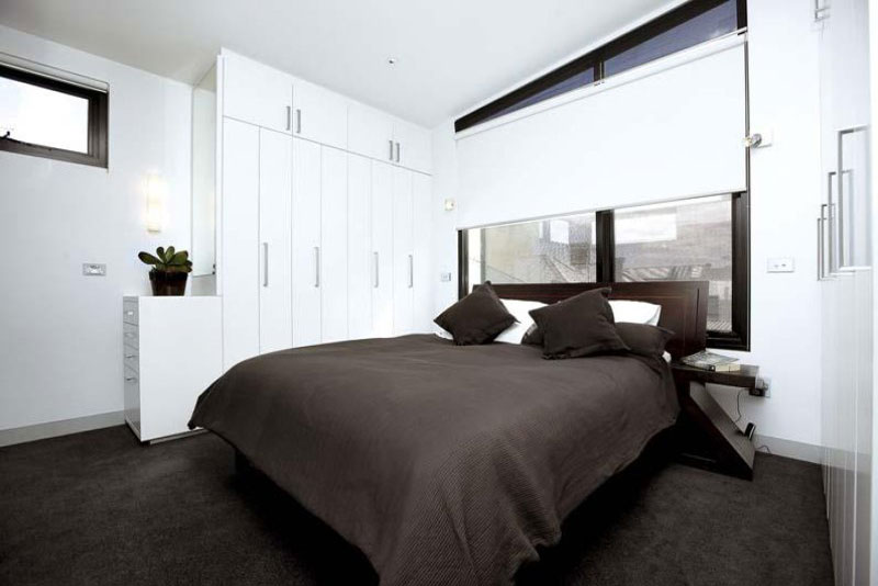 bed room with ensuite